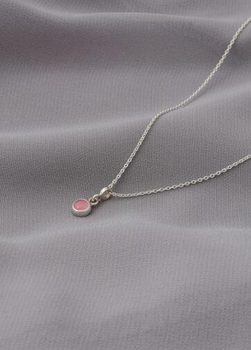collar _ cuarzo rosa _ plata _ tela gris